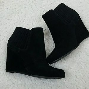 Lauren Blackwell black 10 leather ankle bootie